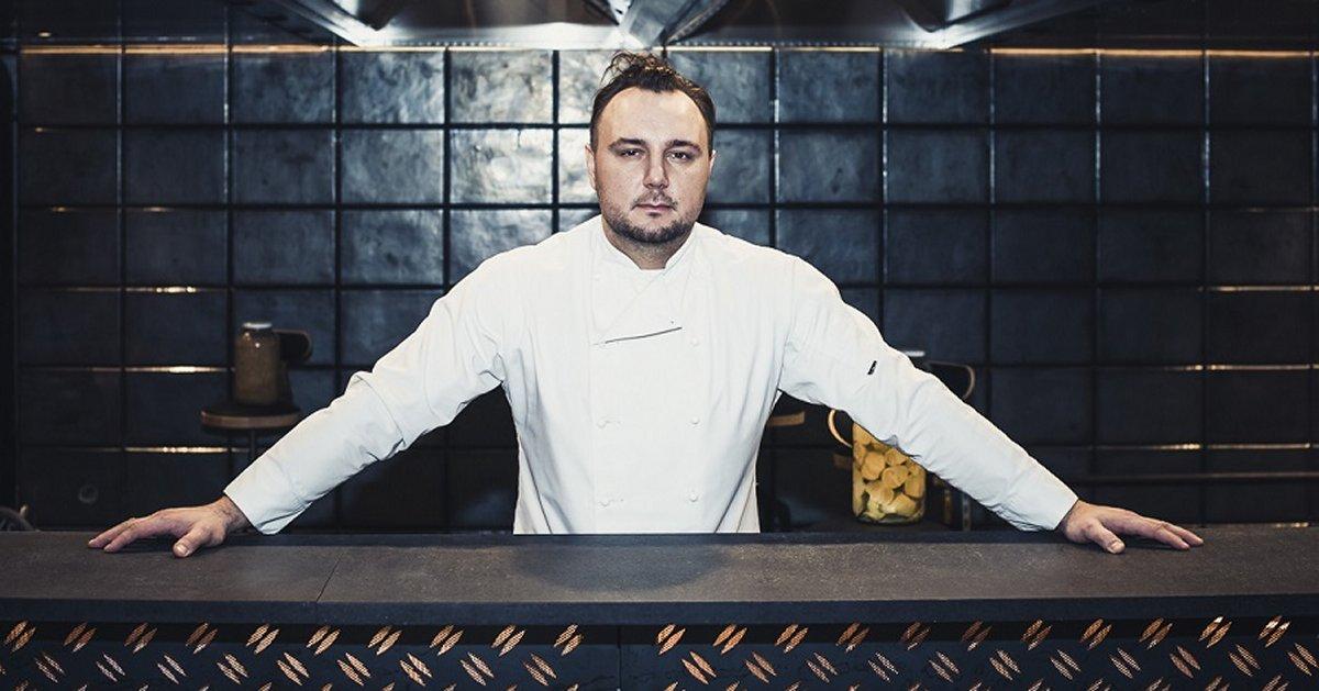 Aleksander Baron Szefem Kuchni W Nowo Powstającej Restauracji