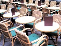 hotele, restauacje, praca, problemy z pracownikami, brak pracowników w hotelarstwie, gastronomii, w kurortach, w Krakowie, w warszawie, nad morzem w Górach, zarobki, dla kelnera, hotelu, restauracje, recepcjonistka, sezonowa, kelner, recepcjonistki