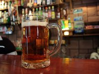 piwo, lokal, wyjście, sprzedaż, spadek, browar, restauracja, gość, klient, pub, producent, minus