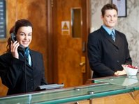 recepcja, hotel, obowiązki, zakres, zadania, wyplata, wynagrodzenie, należność, obsługa, zadania, zatrudnienie, obiekt, wynagrodzenie