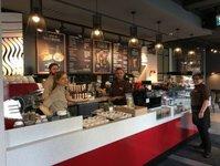 costa coffee, kawiarnia, warszawa, salon fryzjerski, oxford tower
