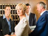 hotelarstwo, nowoczene technologie, procedure check-in, zameldowanie gości, smartfony, podróże służbowe,
