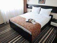 barometr hotelowy, hotele.pl, wrocław, warszawa, rezerwacje hotelowe, ceny pokojonocy,