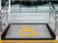 dyrektywa unijna, postępowanie administracyjne, pomoc niepełnosprawnym, przewoźnik kolejowy, urząd transportu kolejowego,