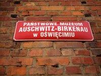 Muzeum Auschwitz II-Birkenau, turysta, zniszczenie, sąd, wyrok,