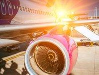 rynek lotniczy, przewozy lotnicze, urząd lotnictwa cywilnego, raport, ruch pasażerski