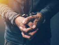 wyrok, fałszywy alarm, sąd, kara, turysta, przewoźnik lotniczy