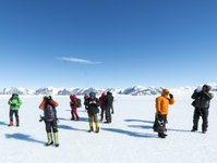 wakacje, Antarktyka, wyższa szkoła bankowa, Zdzisław Preisner, rejs statkiem, Australia, Argentyna, biegun