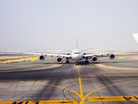 awaryjne lądowanie, Gatwick, Londyn, lotnisko, samolot, Virgin Atlantic, linie lotnicze, drzwi ewakuacyjne, samolot, kabina, macierzyste lotnisko, drzwi ewakuacyjne, awakuacja