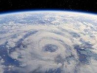 Nowy Jork, huragan, Sandy, Frankenstrom, ewakuacja, meteorolodzy, zagrożenie, mieszkańcy, Karaiby, ofiary, przygotowania, metro, ruch pociągów, lotniska, samoloty, szkoły, wschodnie wybrzeże, wir, żywioł, gigantyczny wir, szybkość wiatru, wiatr