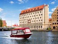 rejs hotelową Q-łódką, Qubus Hotel Gdańsk, rejsy po Motławie, w Gdańsku, atrakcja, bezpłatne, Karolina Daniluk, wycieczka, Westerplatte, trasa rejsu, wycieczki
