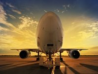 mistrzowskie awaryjne lądowanie, na włoskim lotnisku Fiumicino, Wizz Air, kapitan Gianluca Rabitti Martini, pilot, awaria prawego podwozia, z Bukaresztu do Rzymu