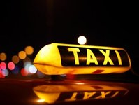 wizz air, linie lotnicze, przewoźnik lotniczy, taksówka, taxi, transport