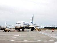 Ryanair, Kraków, Wrocław, Poznań, zawieszenie lotów, lotnisko, port lotniczy, Modlin