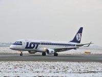 pll lot, połączenia krajowe, samolot, Kraków, Warszawa,