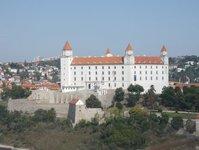 Bratysława, Małokarpacki Szlak Winny, Peżinok, Słowacki Grób, Narodowy Salon Win Republiki Słowackiej