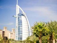 Dubaj, Jessica Alba, Zac Efron, Dubai Tourism, Issam Kazim