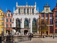 gdańsk, muzeum, atrakcja turystyczna, dwór artusa, turyści